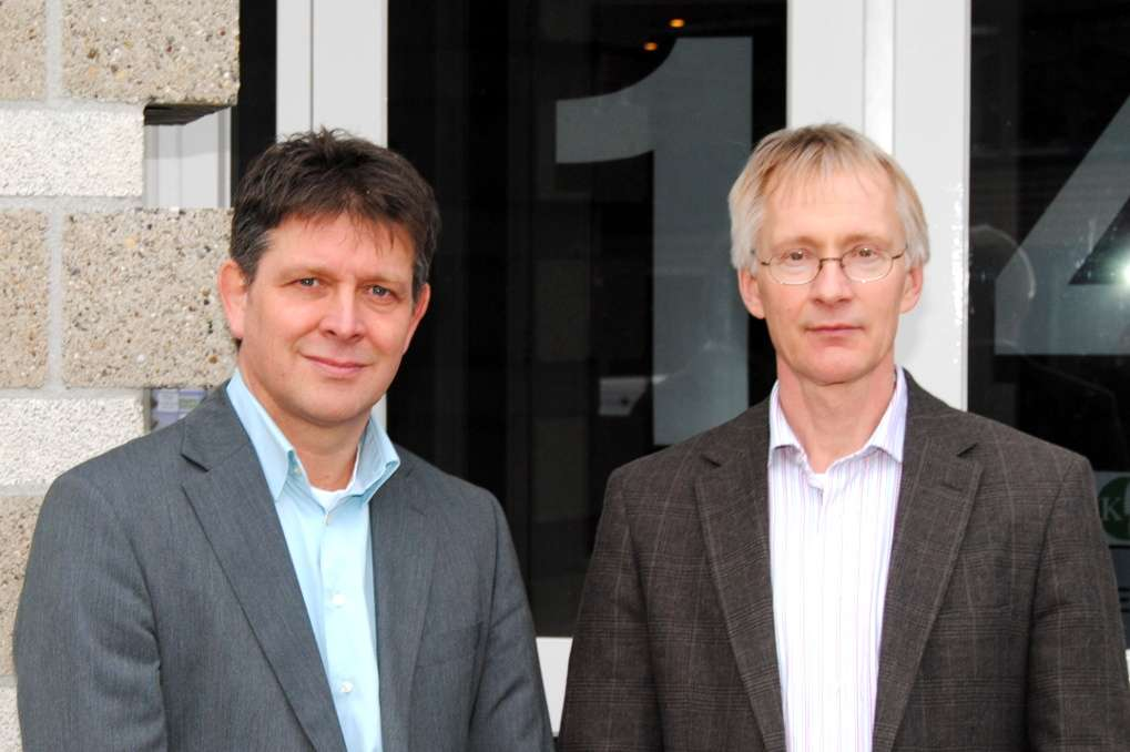 Jos Hens (l) and Aart-Jan Hoeven summarized the results from a supply chain survey in 2013